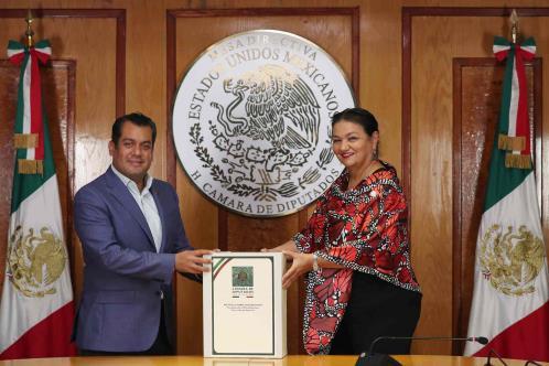 El diputado Sergio Gutiérrez Luna recibe la Mesa Directiva