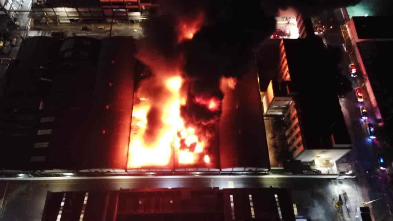 El incendio de una bodega de productos químicos se reportó en Bella Vista