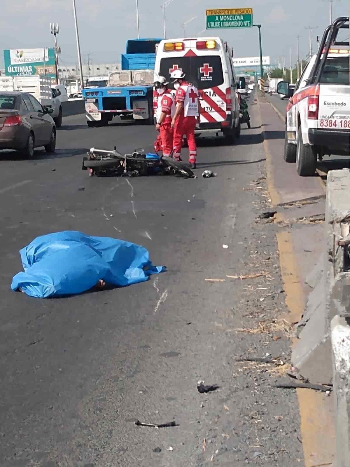 Un motociclista perdió la vida, después de estrellarse contra un muro