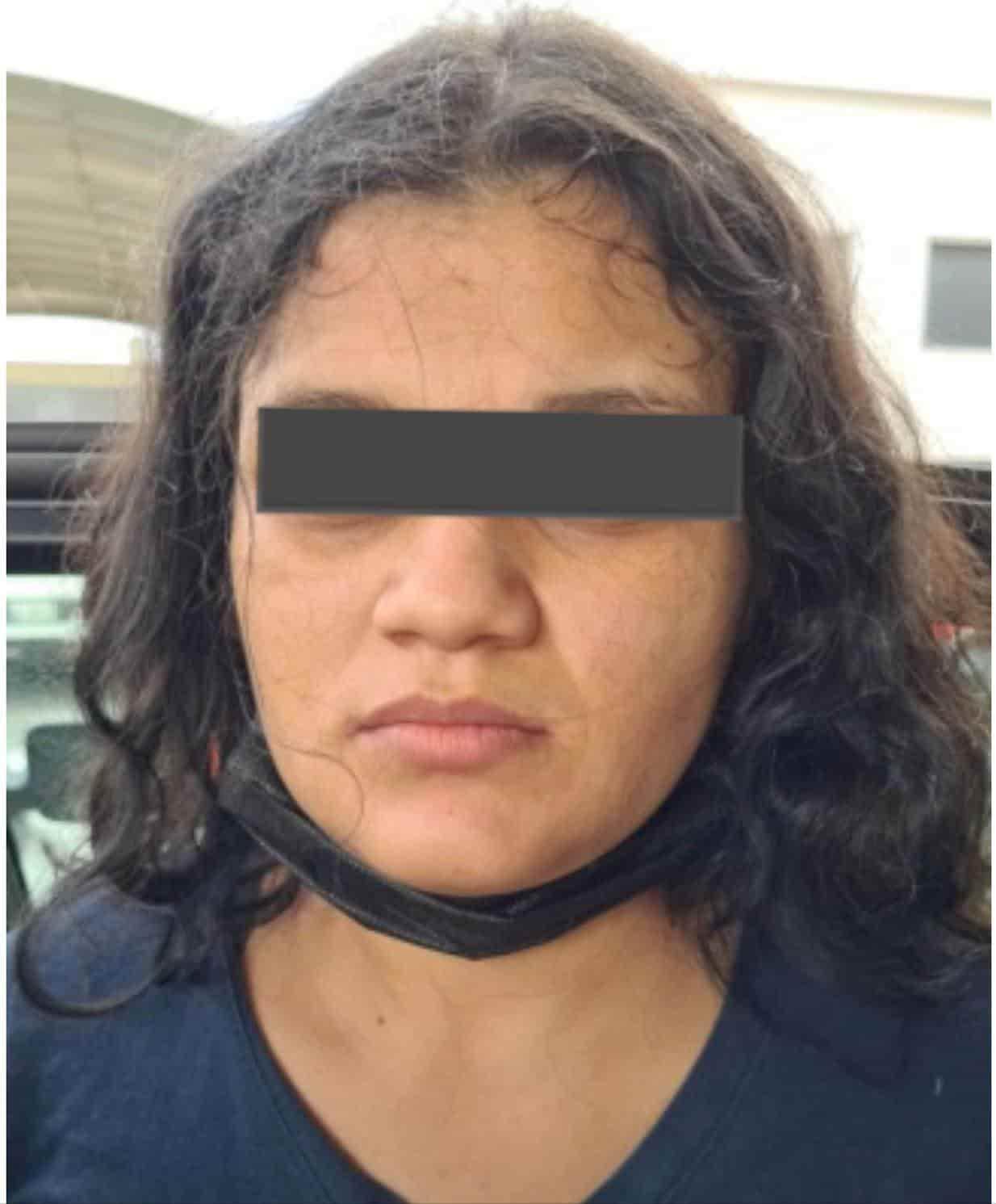 Dos hombres y una mujer que portaban droga, fueron arrestados en Ciénega de Flores