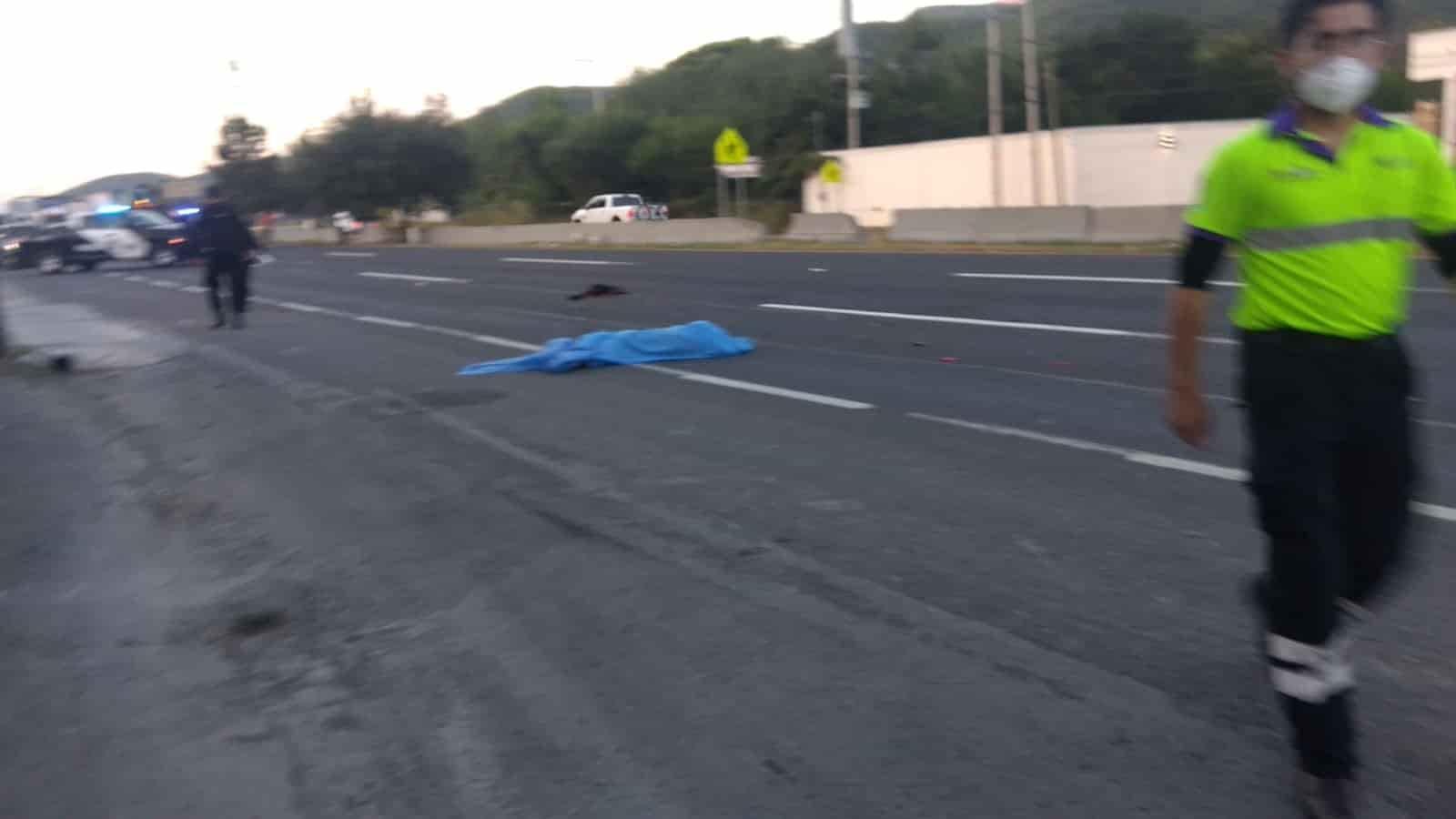 Un hombre falleció atropellado por un motociclista que terminó lesionado