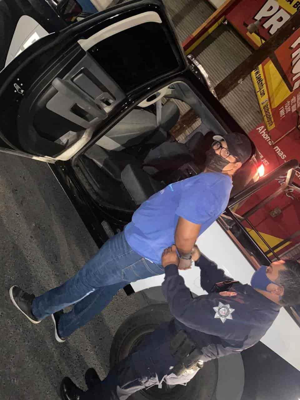 Detienen a joven sospechoso de participar en al menos 12 asaltos con violencia en tiendas de conveniencia