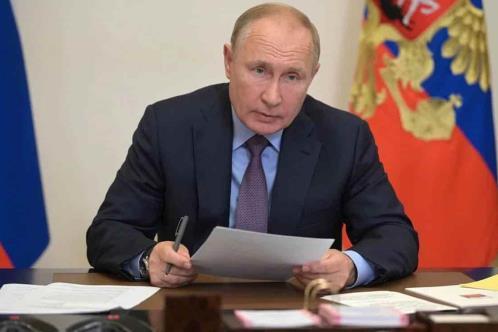 Rusia multa a Facebook y Twitter