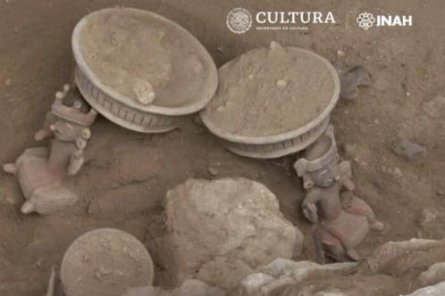 Hallan ofrenda prehispánica en Xochitécatl