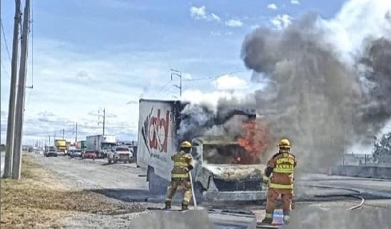 Reportaron el incendio de un camión de transporte foráneo