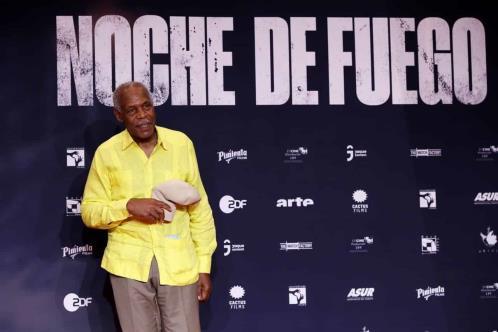 Glover presenta película en Complejo Cultural Los Pinos
