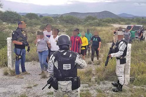 Hallan con vida a 22 extranjeros secuestrados en SLP