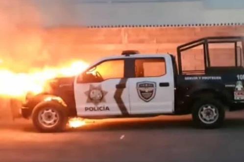 Se incendia patrulla en Apodaca