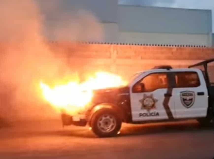 La patrulla terminó totalmente destruida, después de incendiarse