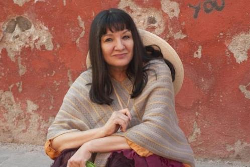 Escribe Sandra Cisneros una carta pendiente