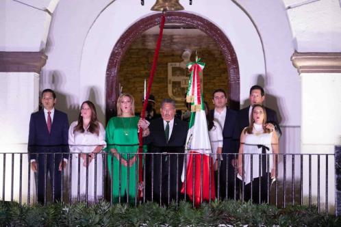 Viven en Escobedo un festejo mexicano muy virtual