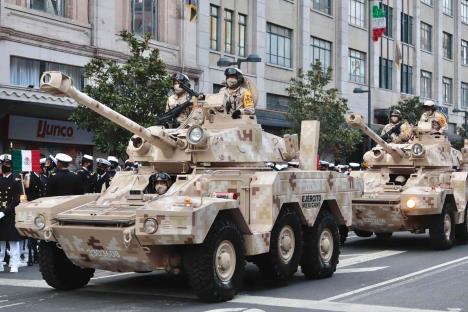 Participan 15 mil elementos del Ejército, Marina en desfile