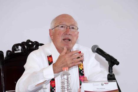 Quiere EU una Cuba democrática; responde embajador a AMLO