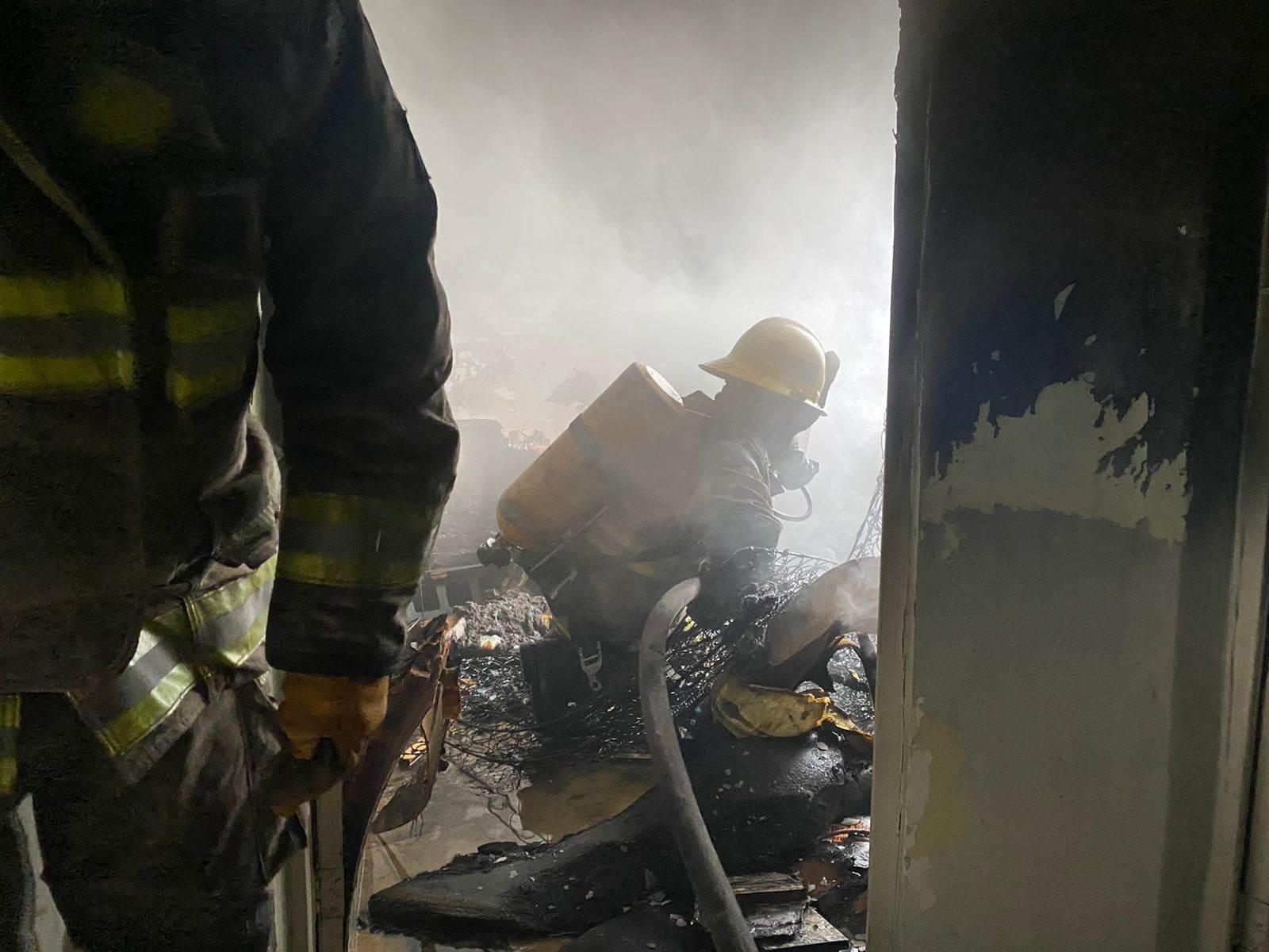 El incendio de un domicilio en Santa Catarina, movilizó a Protección Civil