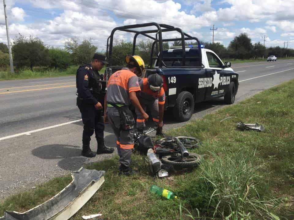 Un motociclista terminó con lesiones de consideración al ser impactado por un automóvil