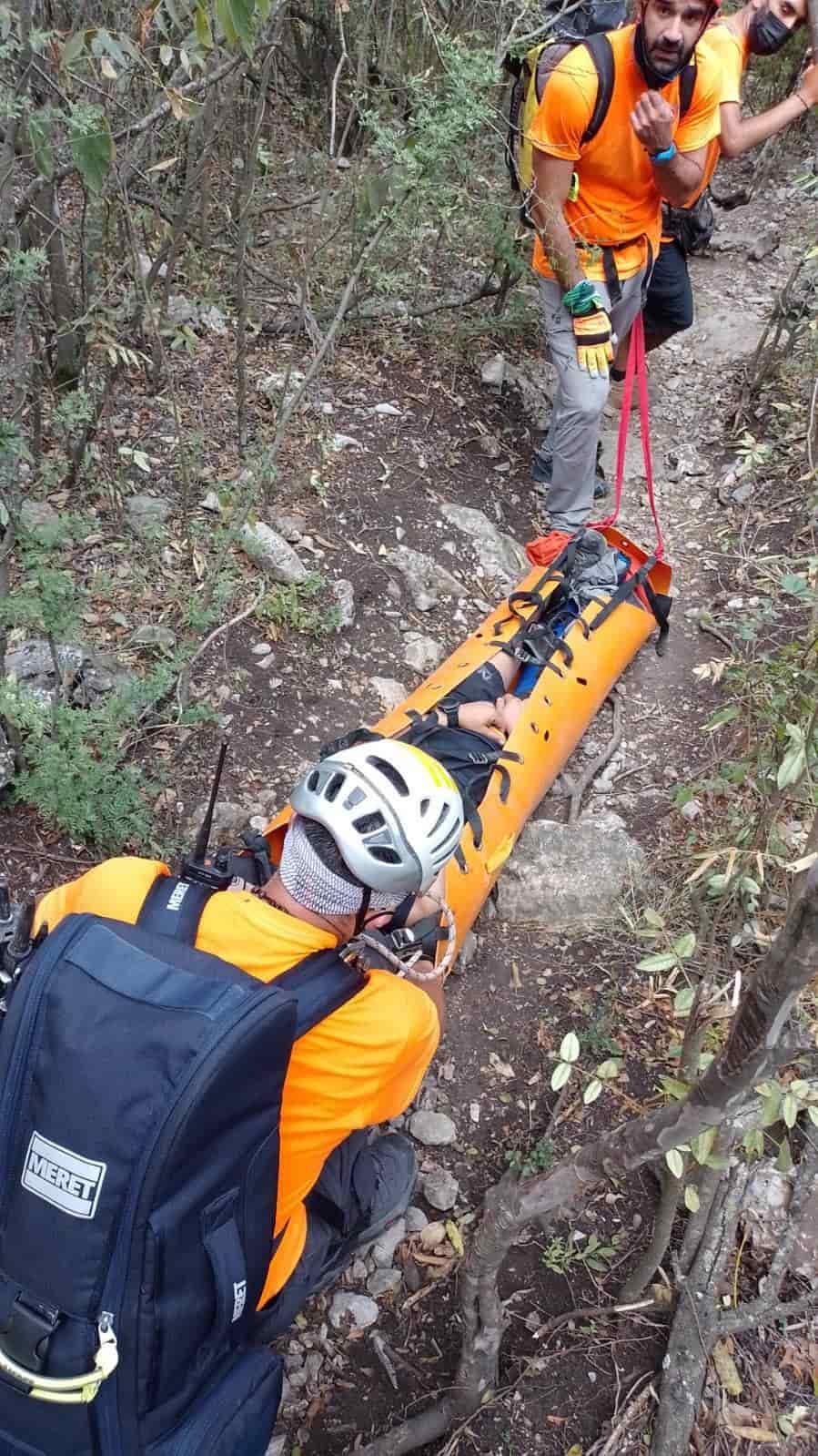 La excursionista sufrió una fractura expuesta en una pierna luego de tener una caída