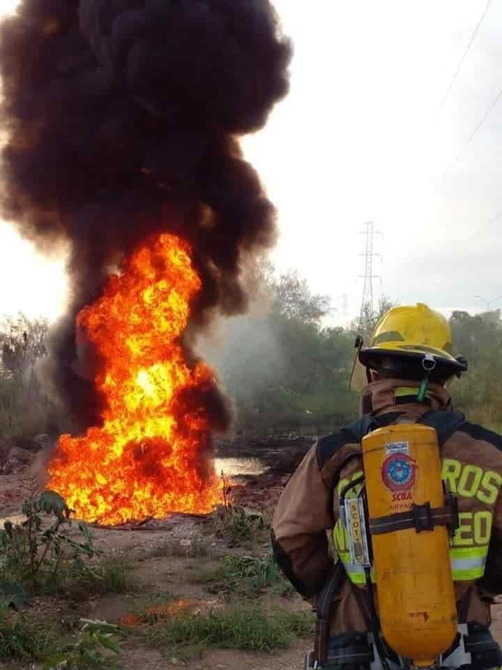 Incendio de ducto de Pemex, fue provocado por la chispa del mofle de un vehículo particular