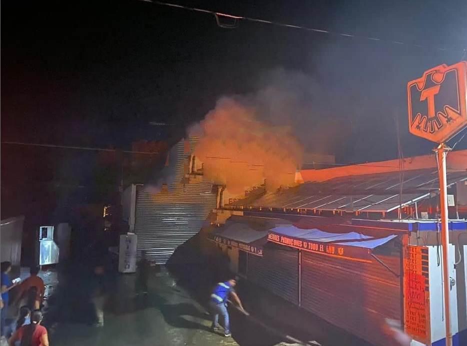 Un depósito de cervezas terminó semidestruido, al producirse un incendio