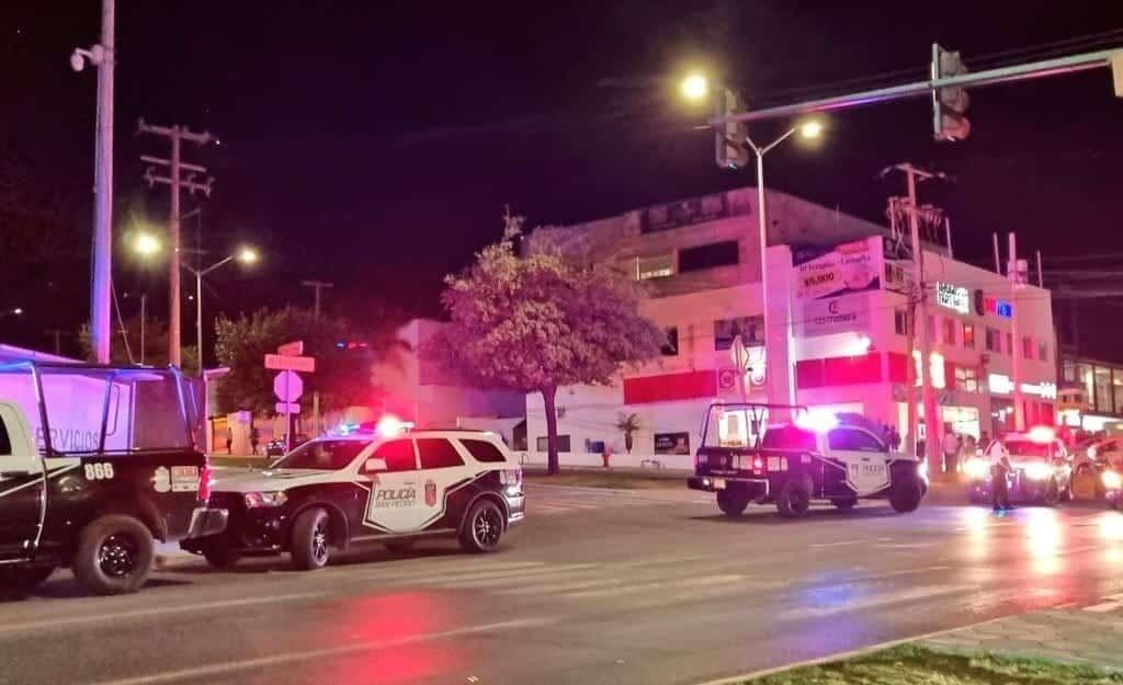 El conductor de una camioneta fue atacado a balazos