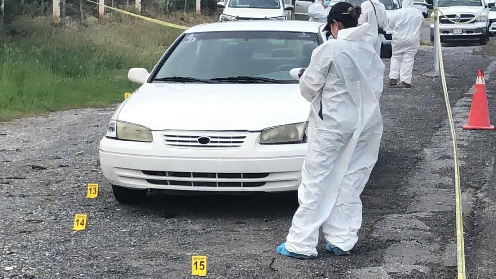 El cuerpo de una mujer sin vida, fue encontrado abandonado en un costado de la Carretera a Laredo