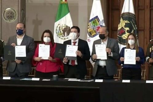 """Firman autoridades  el """"Acuerdo por la Seguridad"""""""